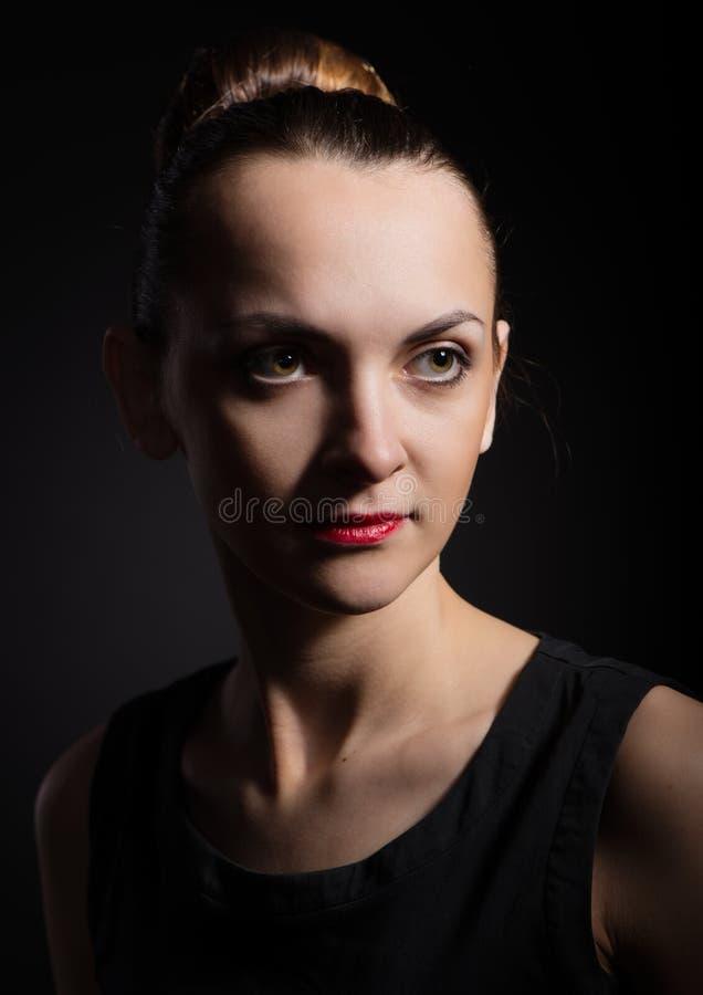 La jeune femme dans le style un vintage image libre de droits
