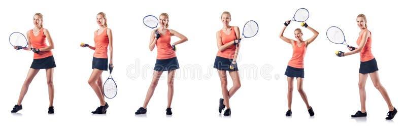 La jeune femme jouant le tennis d'isolement sur le blanc photographie stock