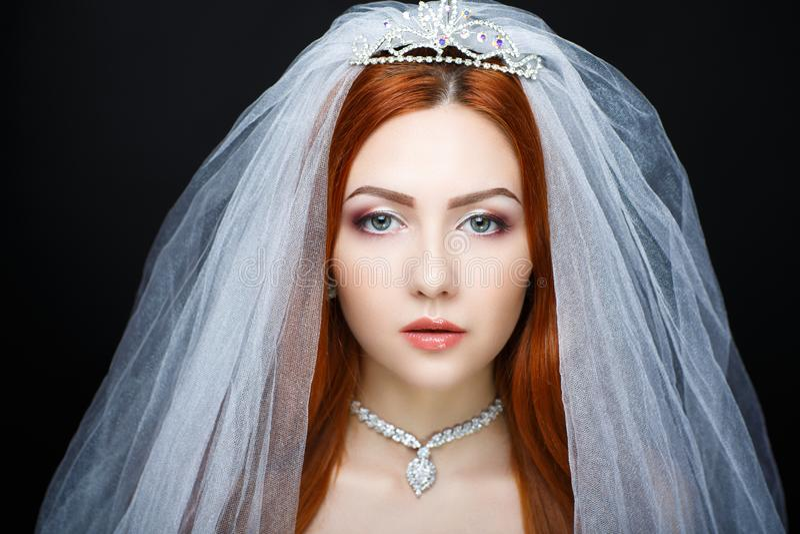 La jeune mariée parfaite composent images libres de droits