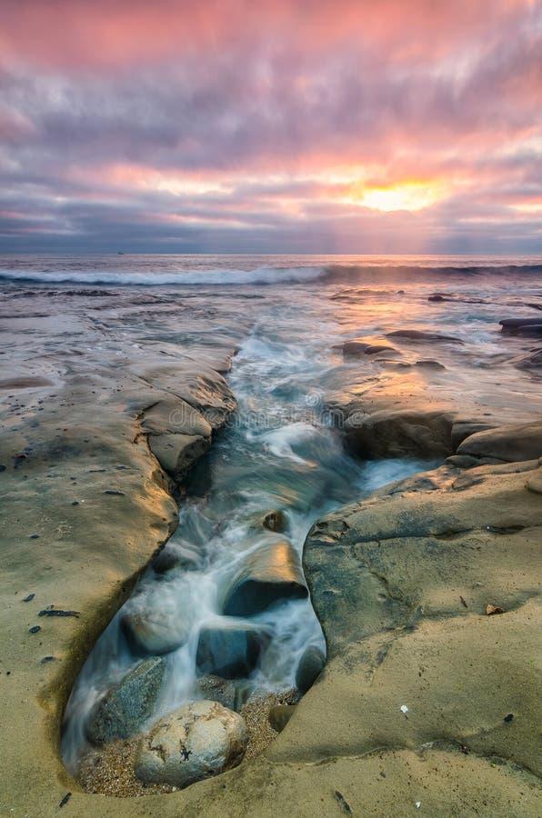 la jolla складывает прилив вместе стоковое фото rf