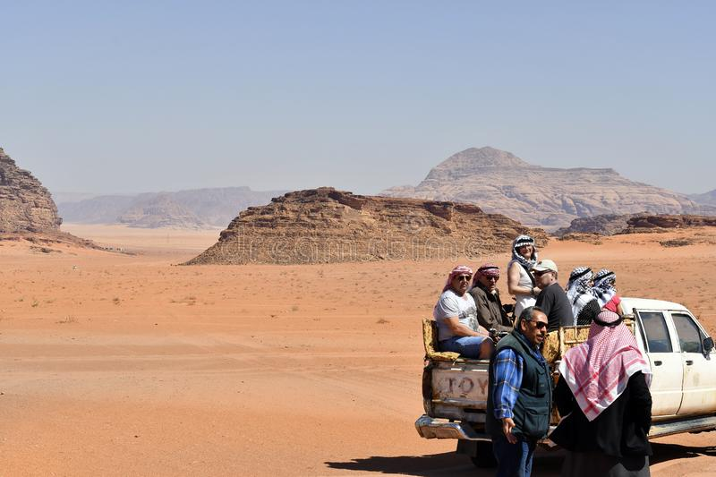 La Jordanie, explorant en Wadi Rum photo stock