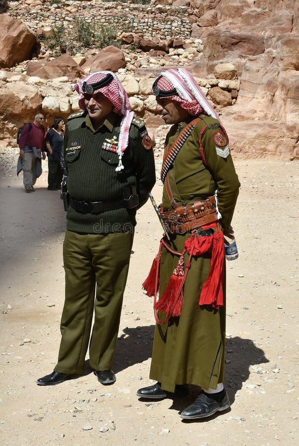 La Jordanie, Moyen-Orient, police dans PETRA antique photo libre de droits