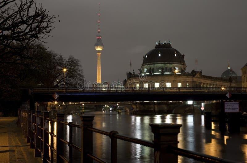 La juerga del río, presagia el museo y la torre de la TV en Berlín foto de archivo libre de regalías