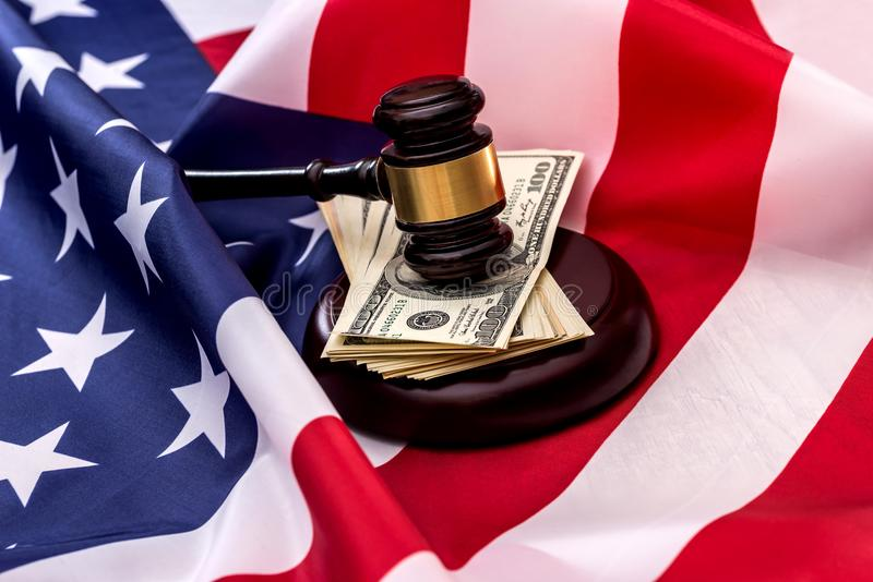 La justice est la devise de drapeau américain photographie stock