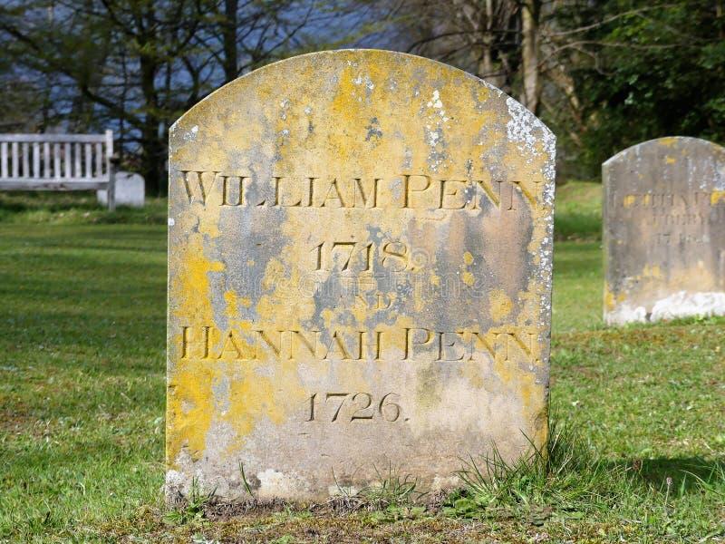 La l?pida mortuoria de William Penn, del fundador de la provincia de Pennsylvania y de su esposa Hannah situada en Jordans, Bucki fotos de archivo