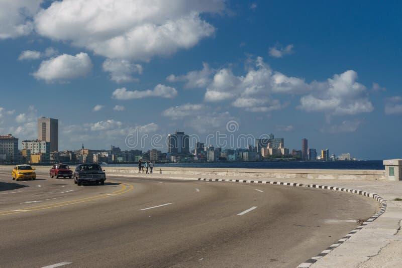 La La Havane, Cuba : Vue de ville de Malecon le jour ensoleillé image libre de droits