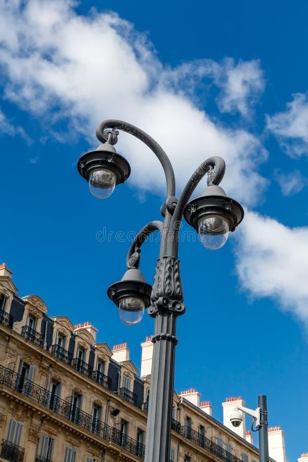 La lampada di via antiquata, Marsiglia, Francia fotografia stock libera da diritti