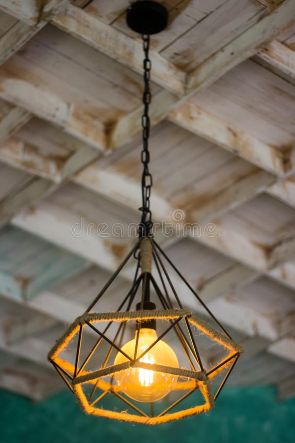 La lampada gialla, stile d'annata immagine stock