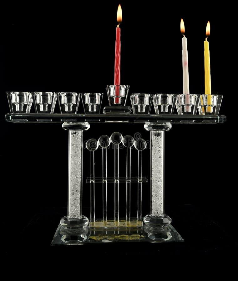 La lampe de cristal Hanukkah menorah de deuxième jour images libres de droits
