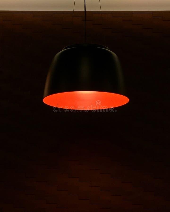 La lampe rouge images libres de droits