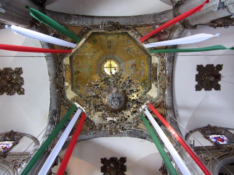 La-Landhaus-katholische Kirche-Innenraum stockfotos