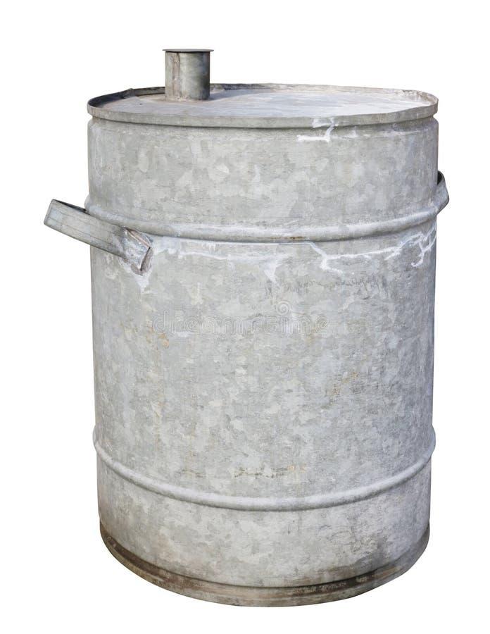 La lata vieja galvanizó el barril para la gasolina y el diesel aislados fotos de archivo libres de regalías