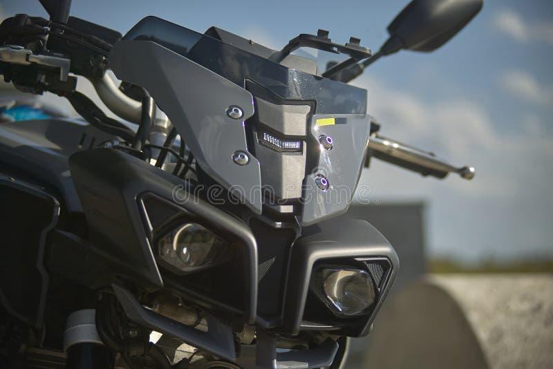 La lentille d'une moto moderne, la solution pour une plus grande sécurité photo stock