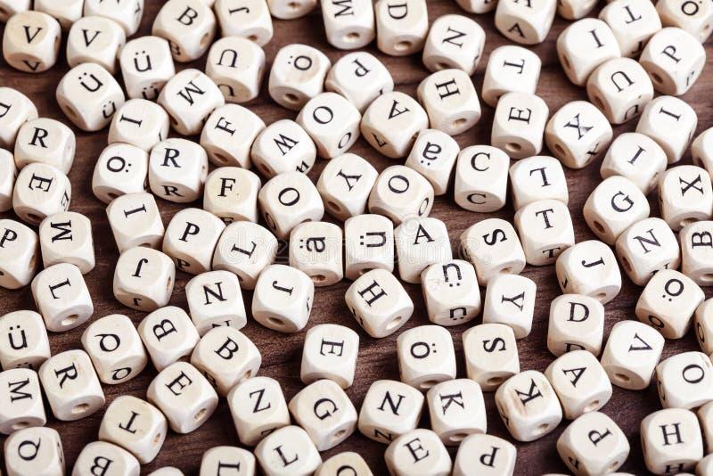 La letra corta caos en cuadritos foto de archivo libre de regalías
