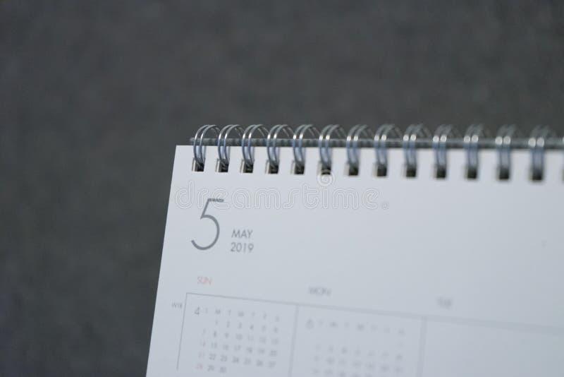 La lettera maggio sul calendario 2019 fotografia stock libera da diritti