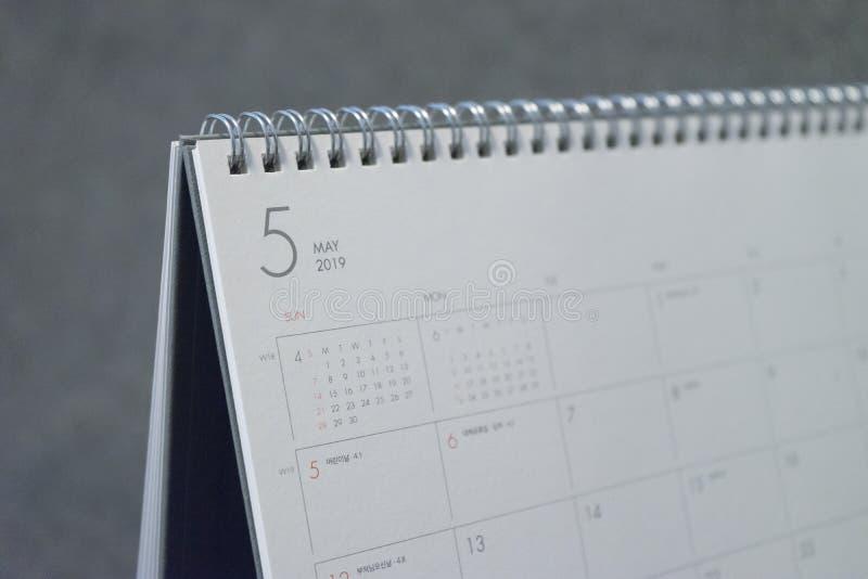 La lettera maggio sul calendario 2019 fotografia stock