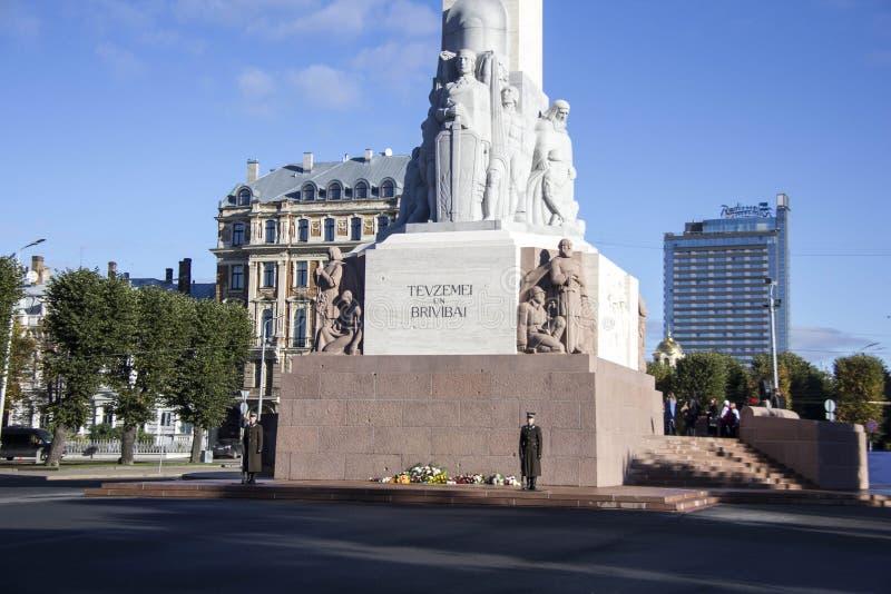 La Lettonie : Monument de liberté de Riga photos stock