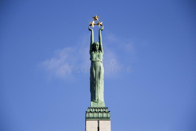La Lettonie : Monument de liberté de Riga image stock