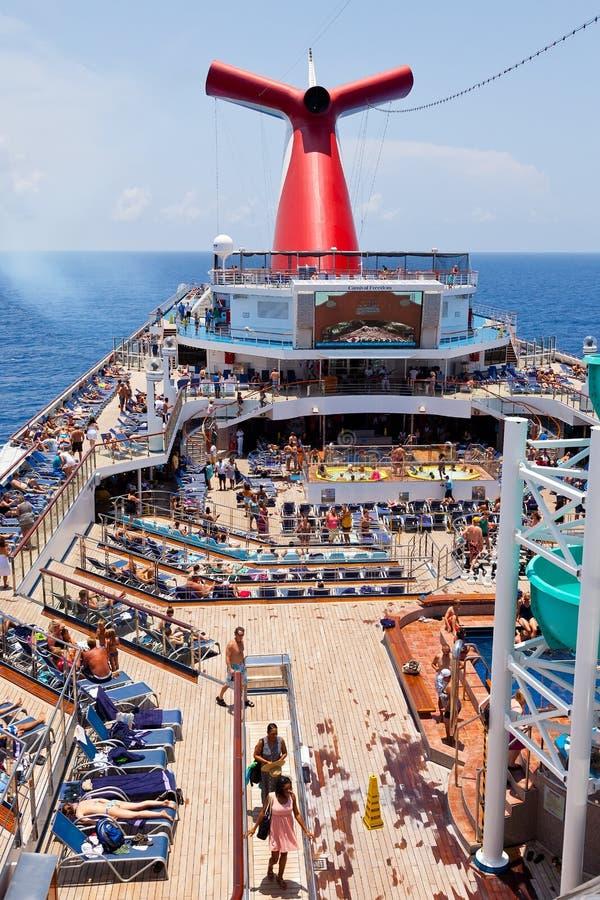 La libertà della nave di carnevale immagini stock libere da diritti