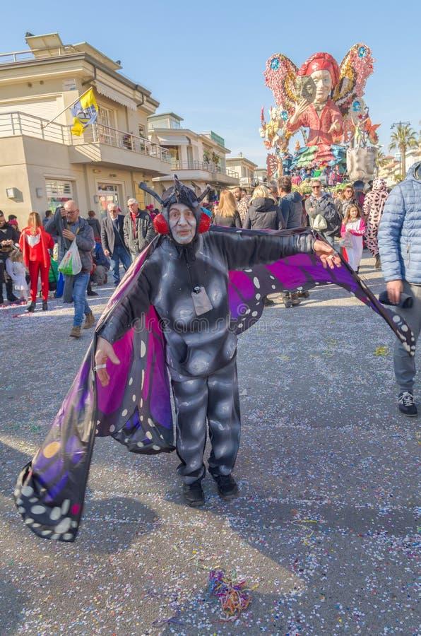 La libertad del carro, todas las mariposas - Carnaval 2019 Viareggio, Toscana, Italia fotografía de archivo