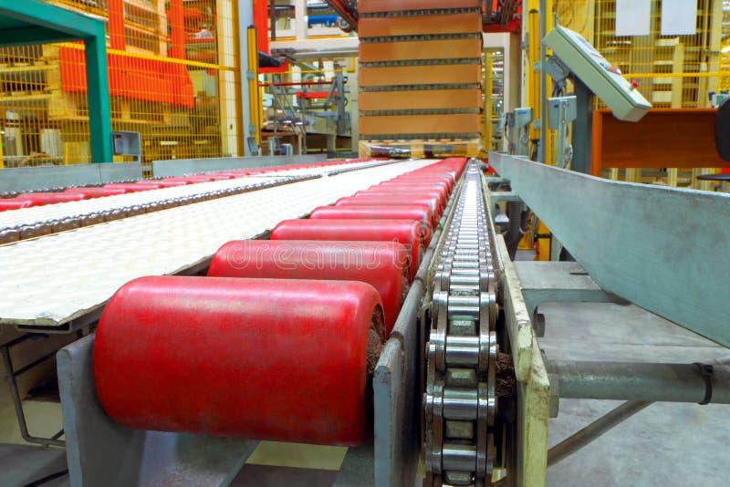 La ligne de convoyeur à l'usine photo libre de droits