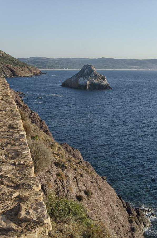 La linea costiera sarda vicino a Masua immagine stock
