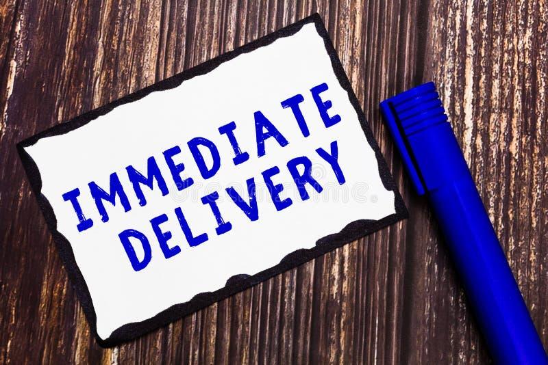 La livraison immédiate des textes d'écriture de Word Concept d'affaires pour Send il maintenant régime douanier à disposer prompt photographie stock