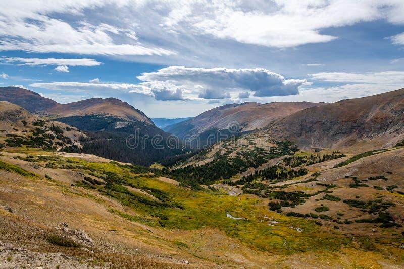 La llamada de Rocky Mountain National Park fotos de archivo