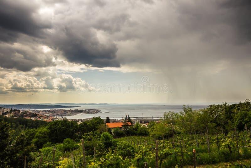La lluvia está viniendo fotos de archivo libres de regalías