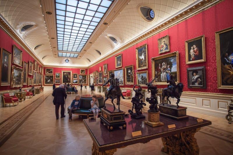 La longue galerie chez Wallace Collection de Londres photographie stock