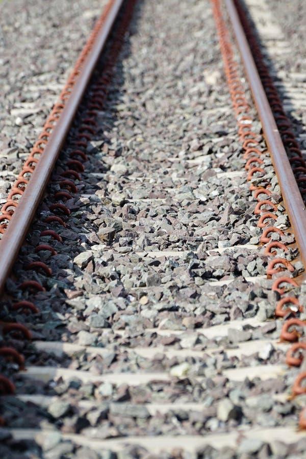 La longueur de train de la voie de chemin de fer photographie stock libre de droits