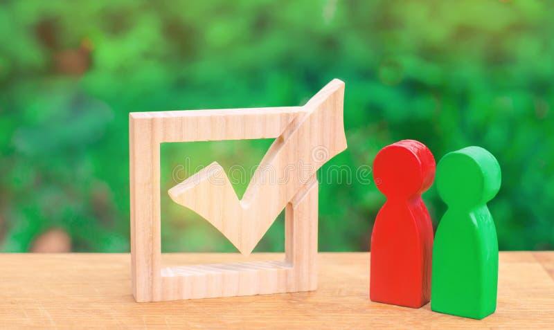 La lotta per la presidenza candidati per le elezioni processo democratico corsa politica referendum Volontari, partiti, Ca immagini stock libere da diritti