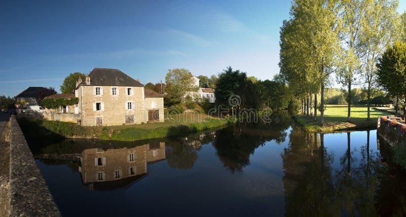 La Loue Coulaures Francia del río imagen de archivo libre de regalías