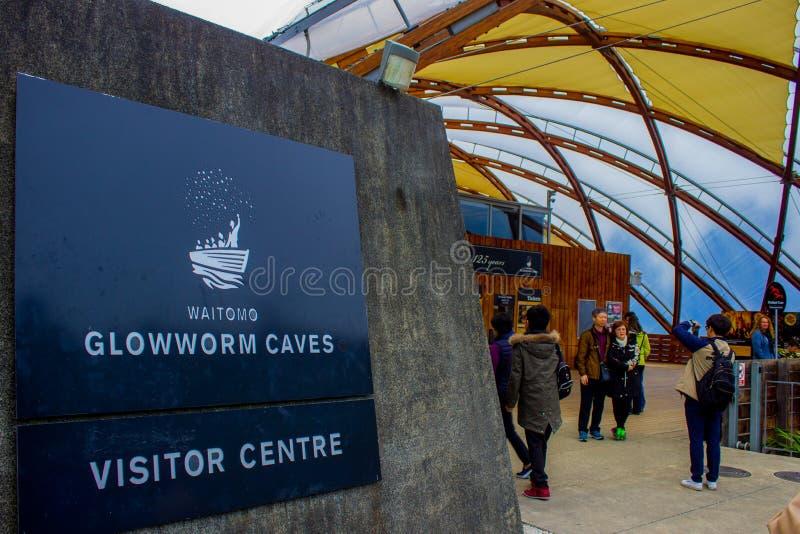 La lucciola scava il centro dell'ospite, Waitomo, Nuova Zelanda fotografia stock libera da diritti