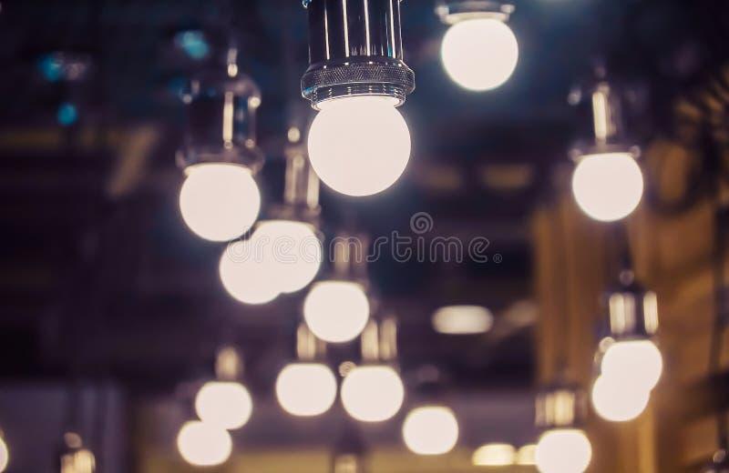 La luce dell'interno, bello retro del lusso d'annata è insieme del gruppo della decorazione moderna della lampada del soffitto al fotografie stock
