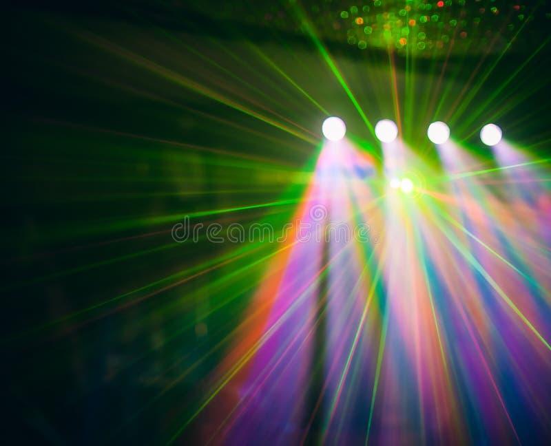 La lumière de club de disco de couleur avec des effets et le laser montrent image stock