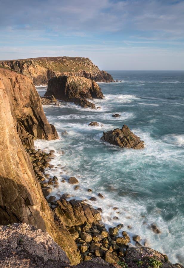 La lumière de fin de l'après-midi, terres finissent, les Cornouailles occidentales photos libres de droits