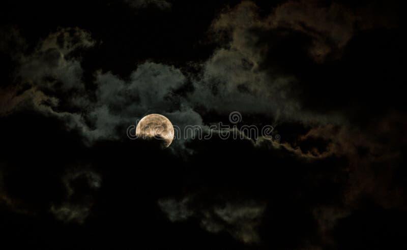 La luna brillante fotografie stock libere da diritti
