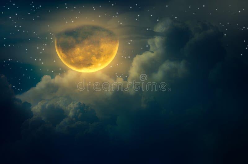 La luna grande de la nube de la luna de Chuseok que flota en el cielo con muchos protagoniza Halloween rodeado ilustración del vector