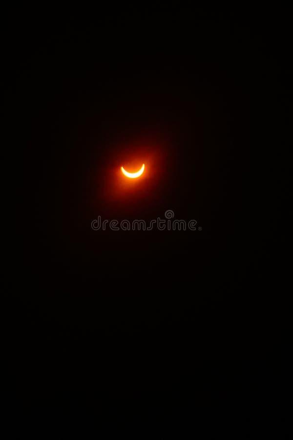 La luna le gusta el sol imagen de archivo libre de regalías