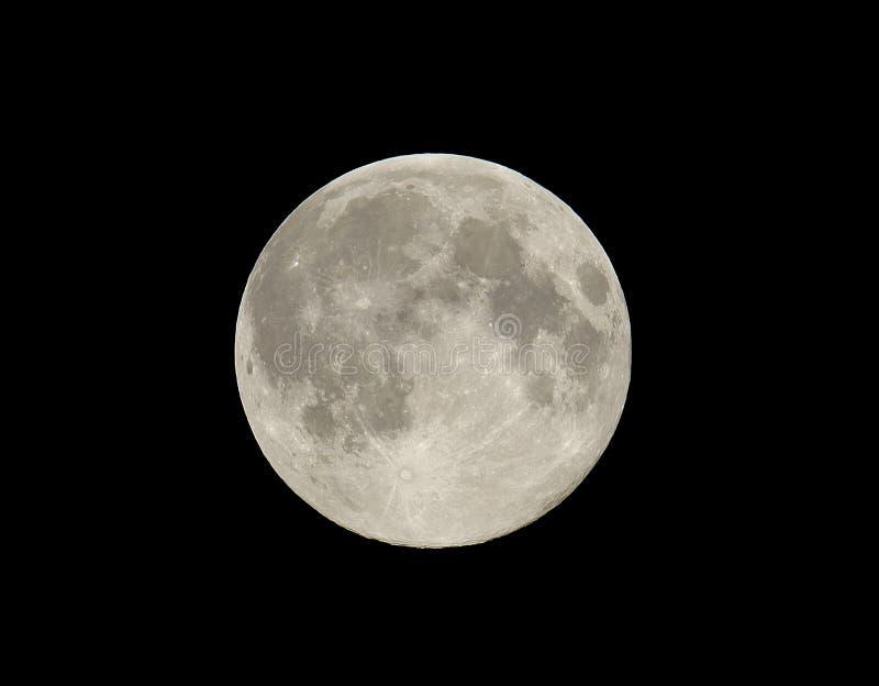 La lune dans le ciel nocturne en août images libres de droits
