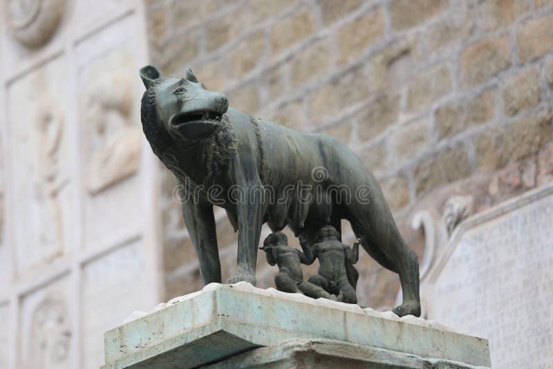 la lupa ha chiamato LUPA CAPITOLINA a Roma in Italia fotografie stock
