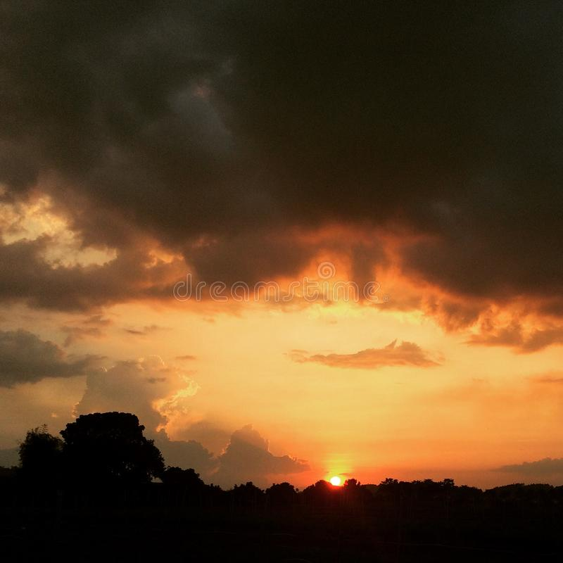 La luz pasada de la tarde fotografía de archivo