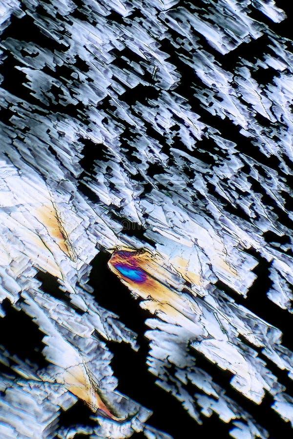 La luz polarizada hace brillo de los cristales foto de archivo