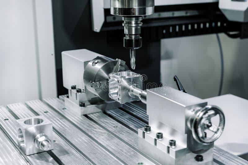 La máquina herramienta CNC que muele de la precisión hace la parte imágenes de archivo libres de regalías