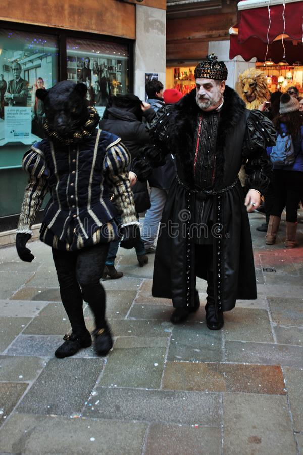 la máscara del Veneciano-estilo, el carnaval de Venecia es una del más famosa del mundo, su característico es las máscaras, cread foto de archivo