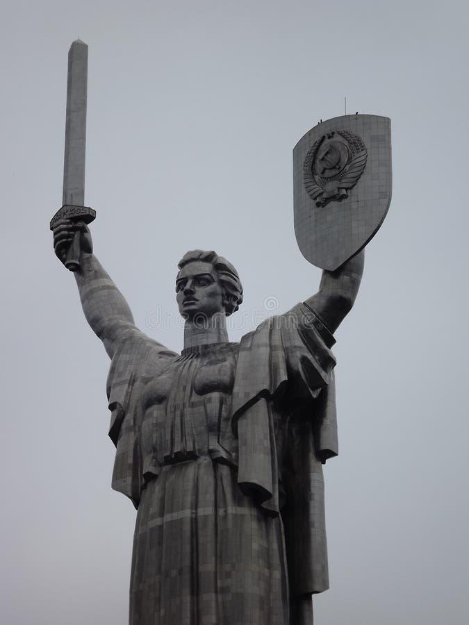 La mère patrie, monument soviétique, Kiev, Ukraine images stock