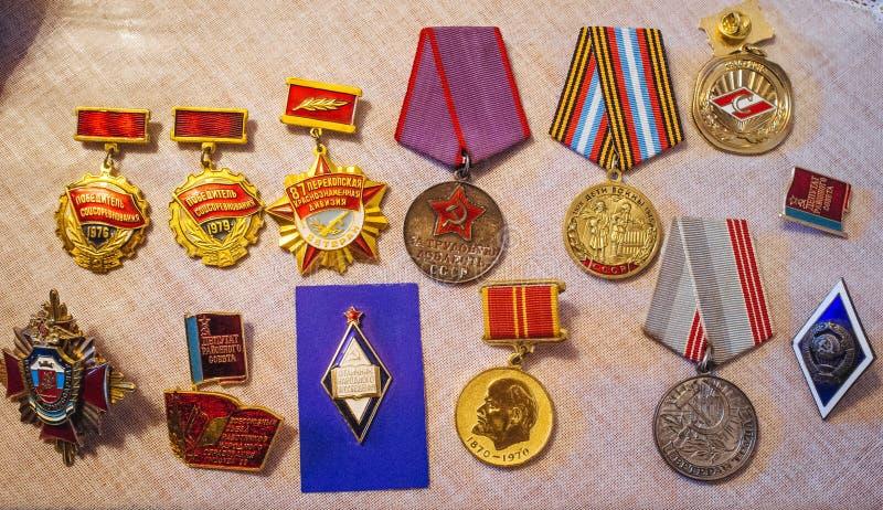 La mère patrie russe - médailles de guerre et de travail photos stock