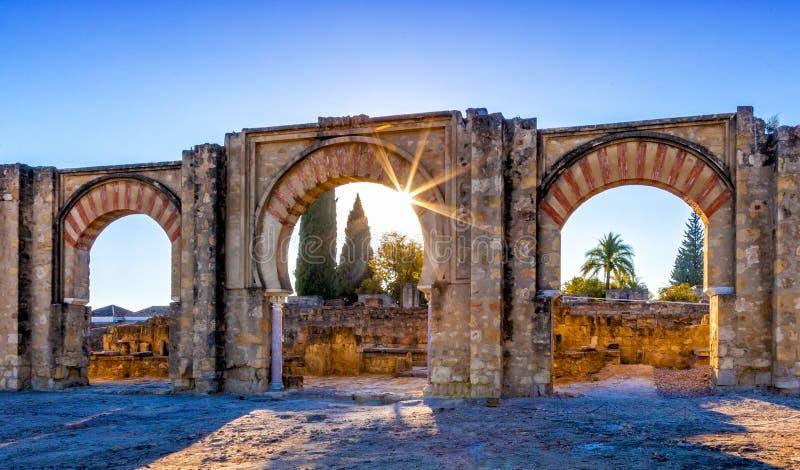 La Médina Azahara, une palais-ville médiévale musulmane arabe enrichie près de Cordoue, Espagne images stock