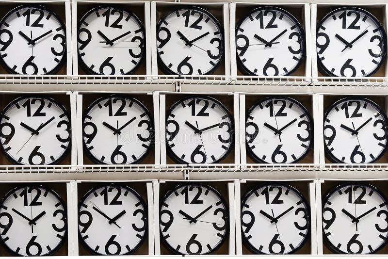La même horloge murale photo stock